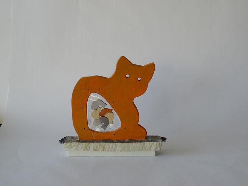 zwanger, houten object, 21 x 22 x 5, € 145,-