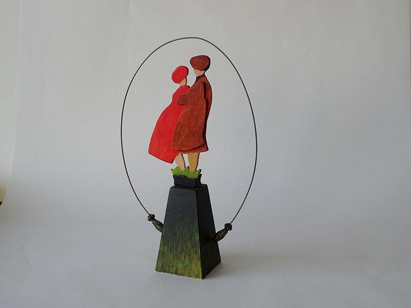 samen, houten object, 18 x 28 x 7, € 145,-